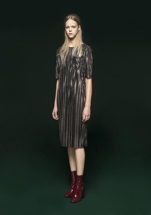 sukienki-Srebrzysta sukienka z kieszonką