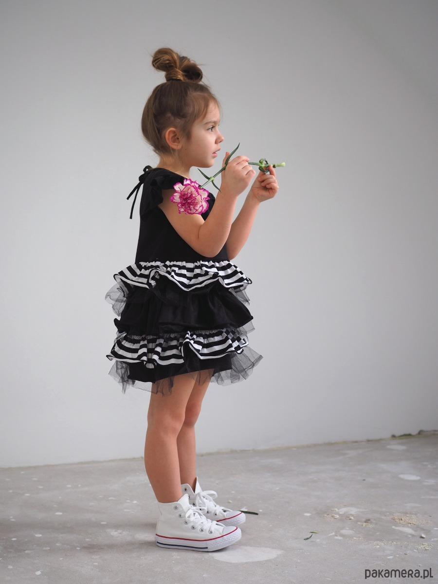 a90b8e9c5b Sukienka dziecięca wizytowa z falbankami - dziewczynka - sukienki ...