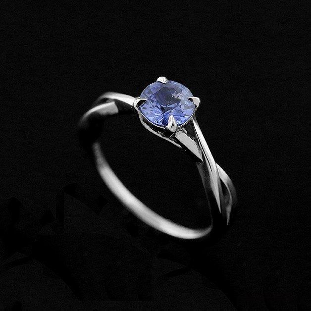 Masywnie Platynowy pierścionek zaręczynowy z szafirem - pierścionki - różne KI11