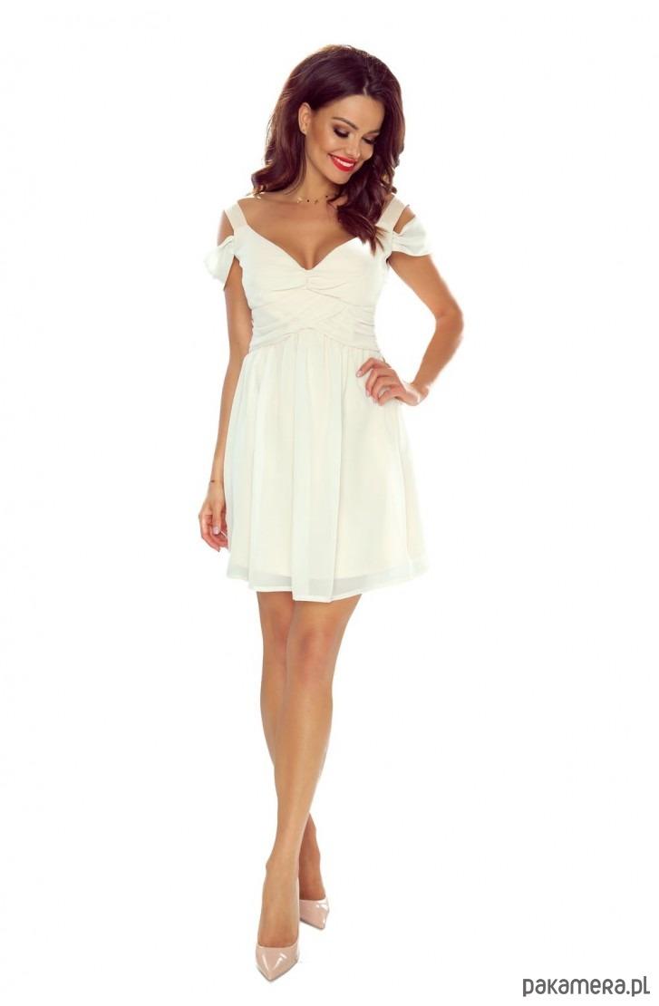 dziewczęca sukienka z opadającym ramiączkiem