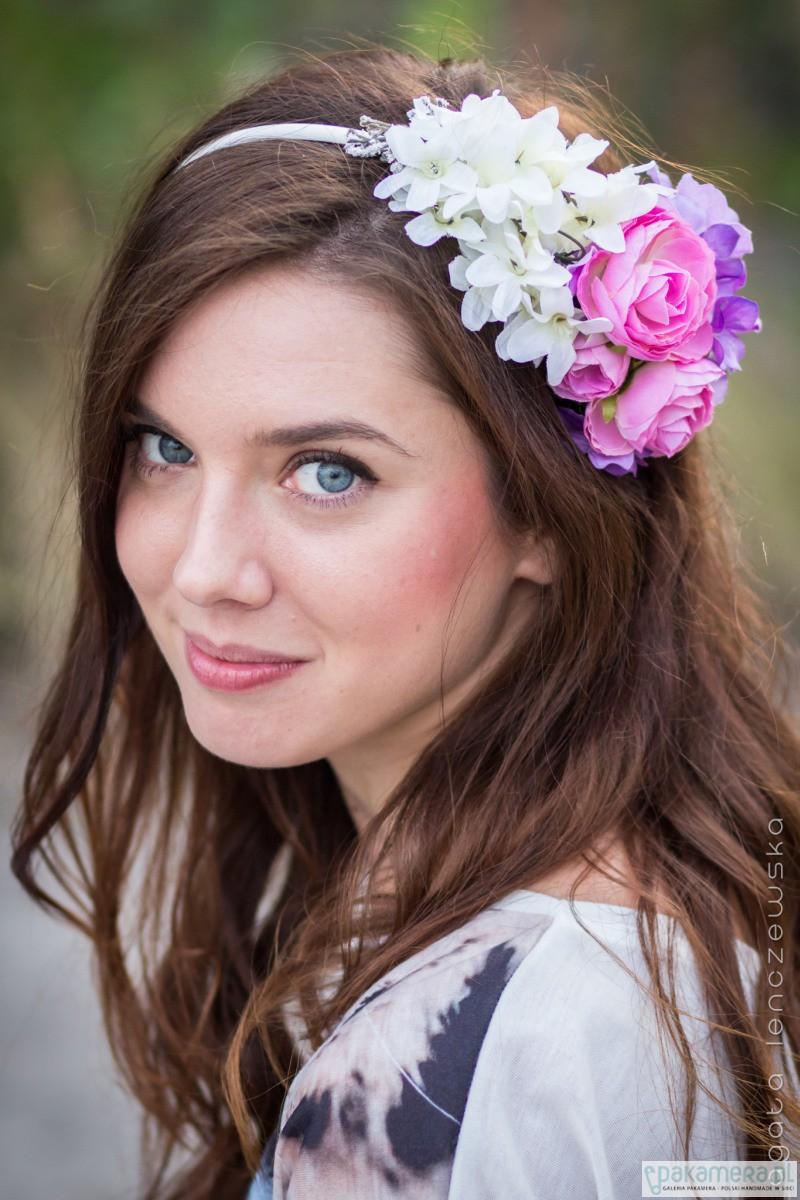 d90217ac56 Opaska na głowę z pastelowymi kwiatami - Ślub - ozdoby na głowę -  Pakamera.pl