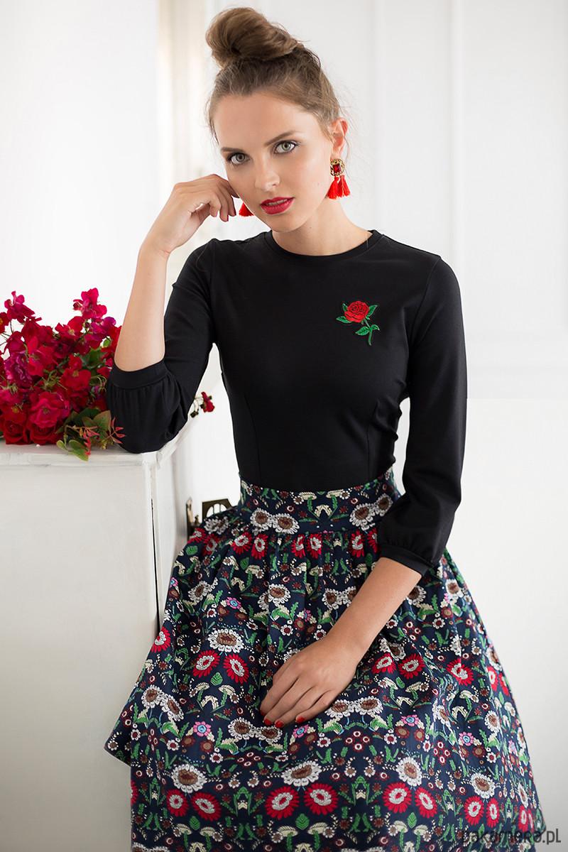 e766ad76b0d479 Czarna bluzka z różą i bufkami - Moda - bluzki - t-shirty - damskie ...