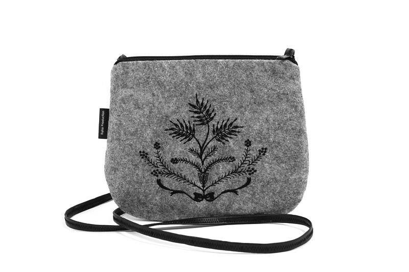 ddfa110ebe1b9 Mała torebka filcowa z czarnym haftem - torebki mini - Pakamera.pl