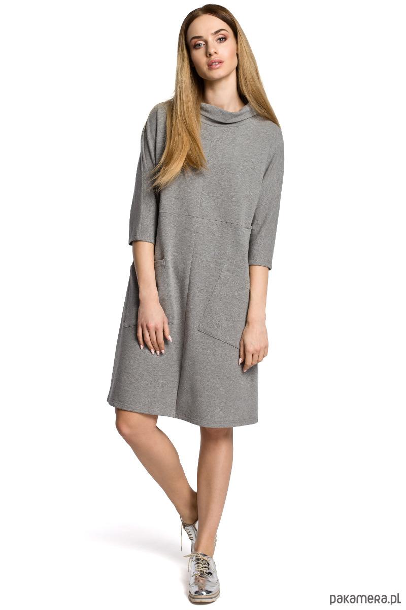 Sukienka oversize z dużymi kieszeniami