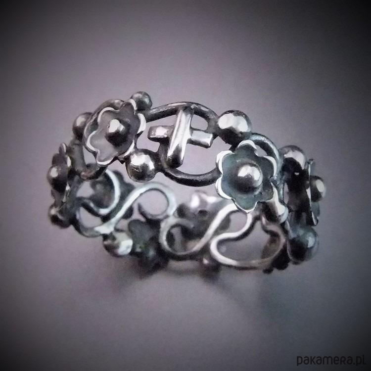 644bc53d1e5dee melancholijny... srebrny różaniec z kwiatami - pierścionki - różne ...