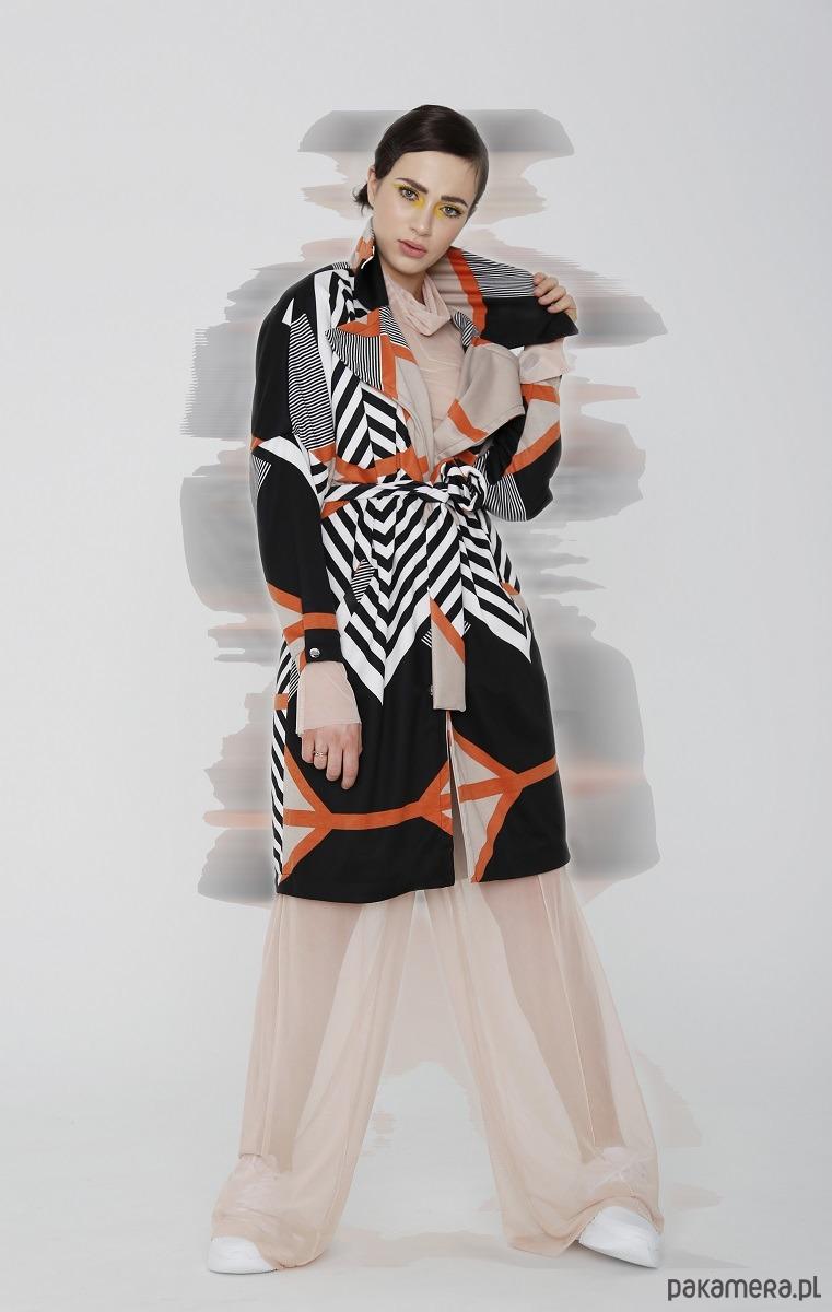 Płaszcz damski w geometryczny wzór