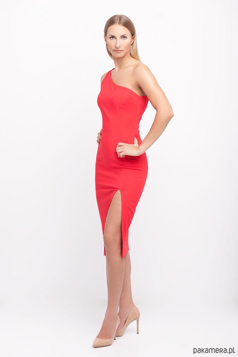 Sukienka na jedno ramię czerwona