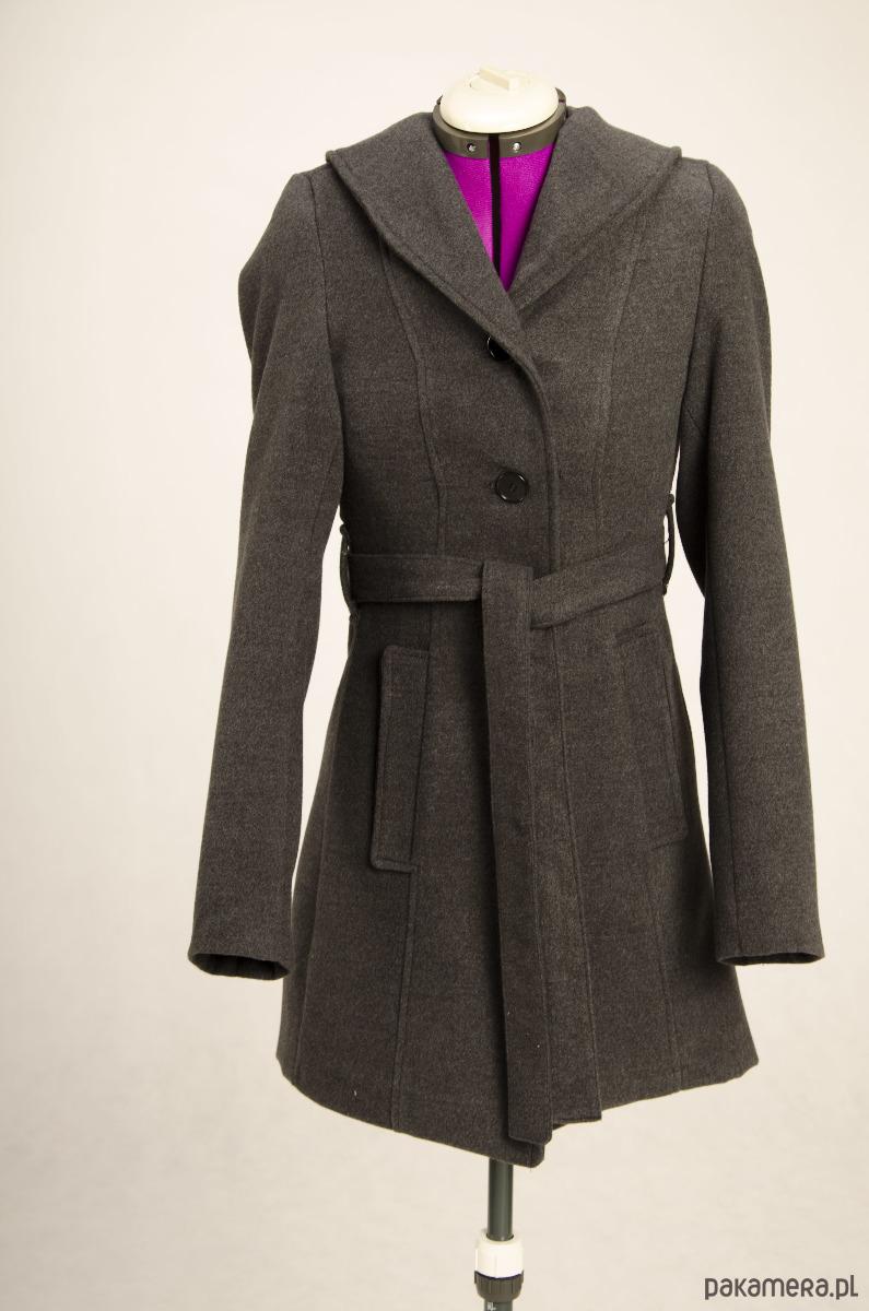 Płaszcz zimowy ocieplany z flauszu z kapturem