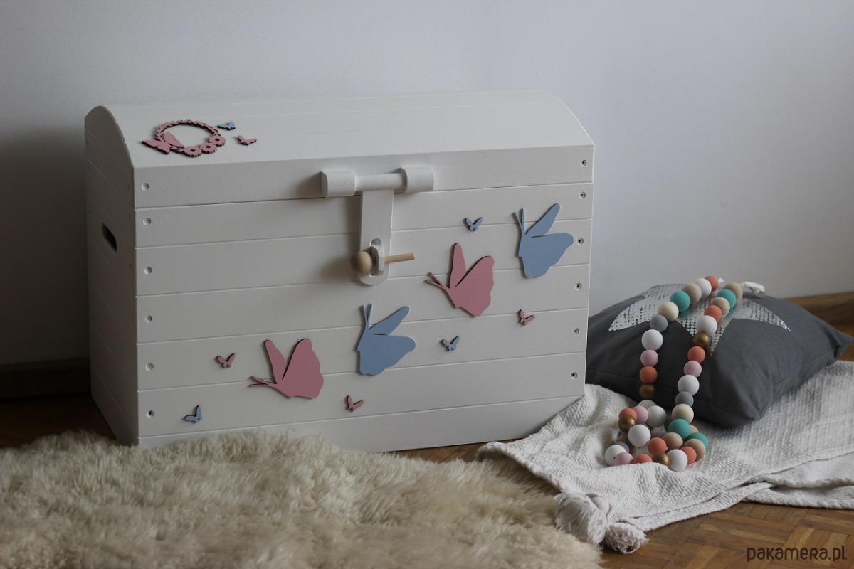 Obraz przedstawiający Skrzynia na zabawki motyle
