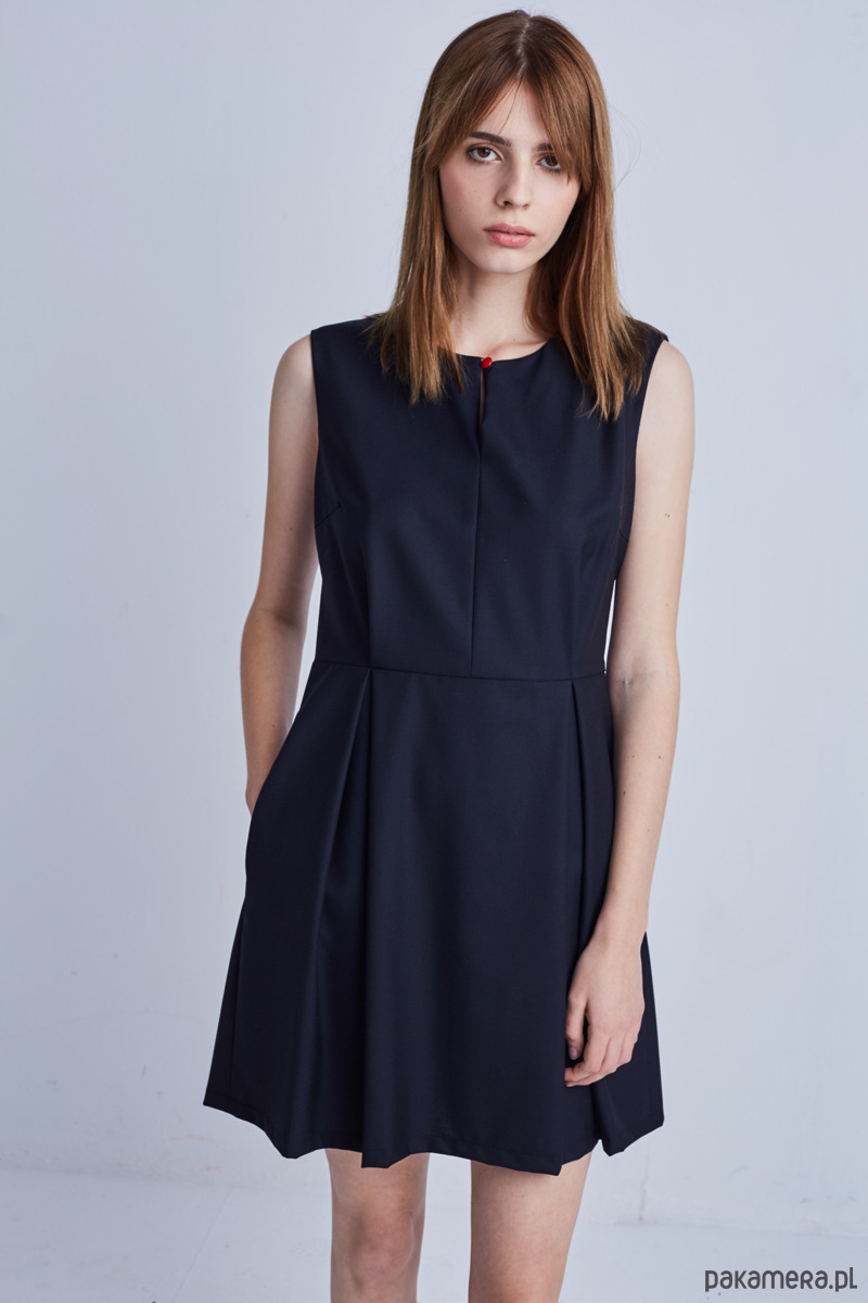 Sukienka z zakładkami PEPITKA