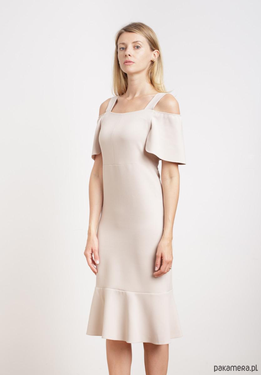 Beżowa sukienka za kolano z falbankami
