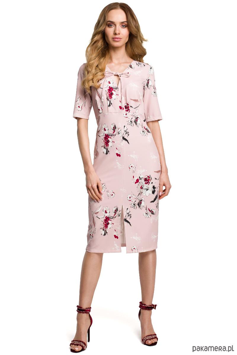 Sukienka we wzór z wiązaniem w dekolcie