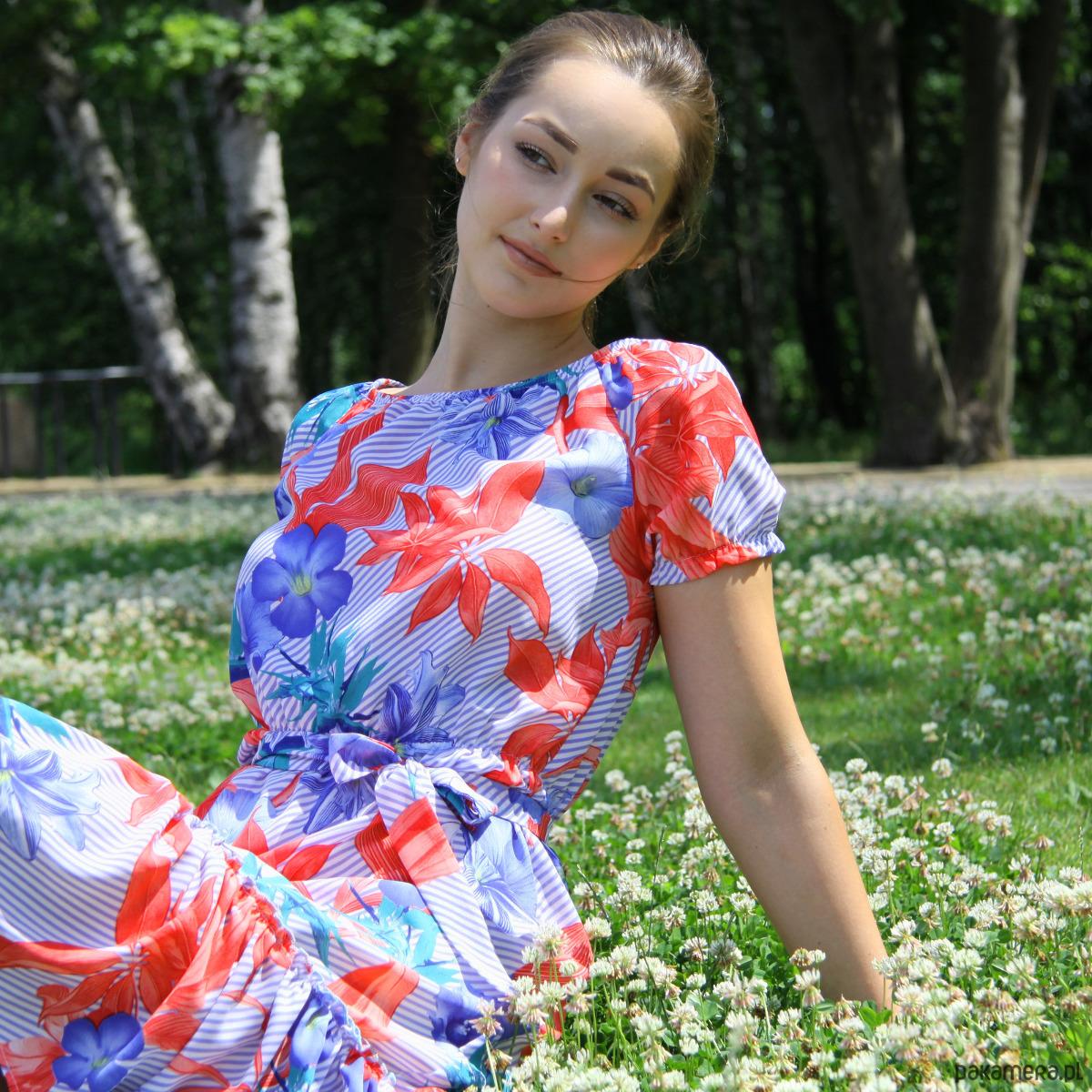 Sukienka Marita w tropikalny wzór