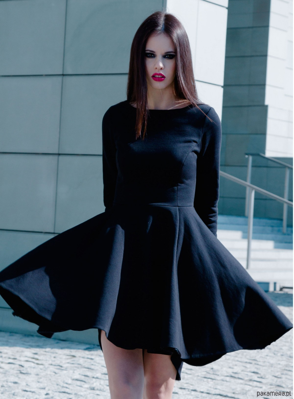 0383ba1e8a sukienki - różne-Sukienka z asymetrycznym dołem