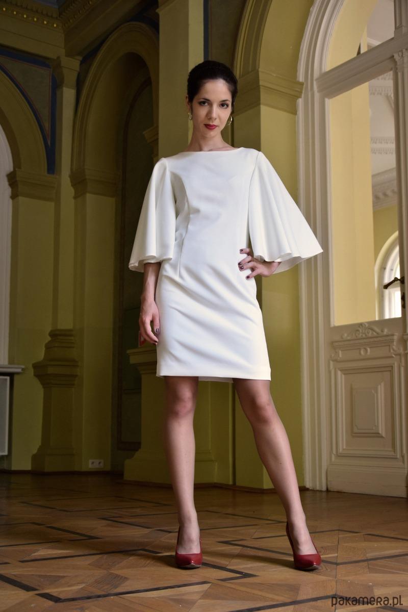 Koktajlowa sukienka / ecru - MINERVAH