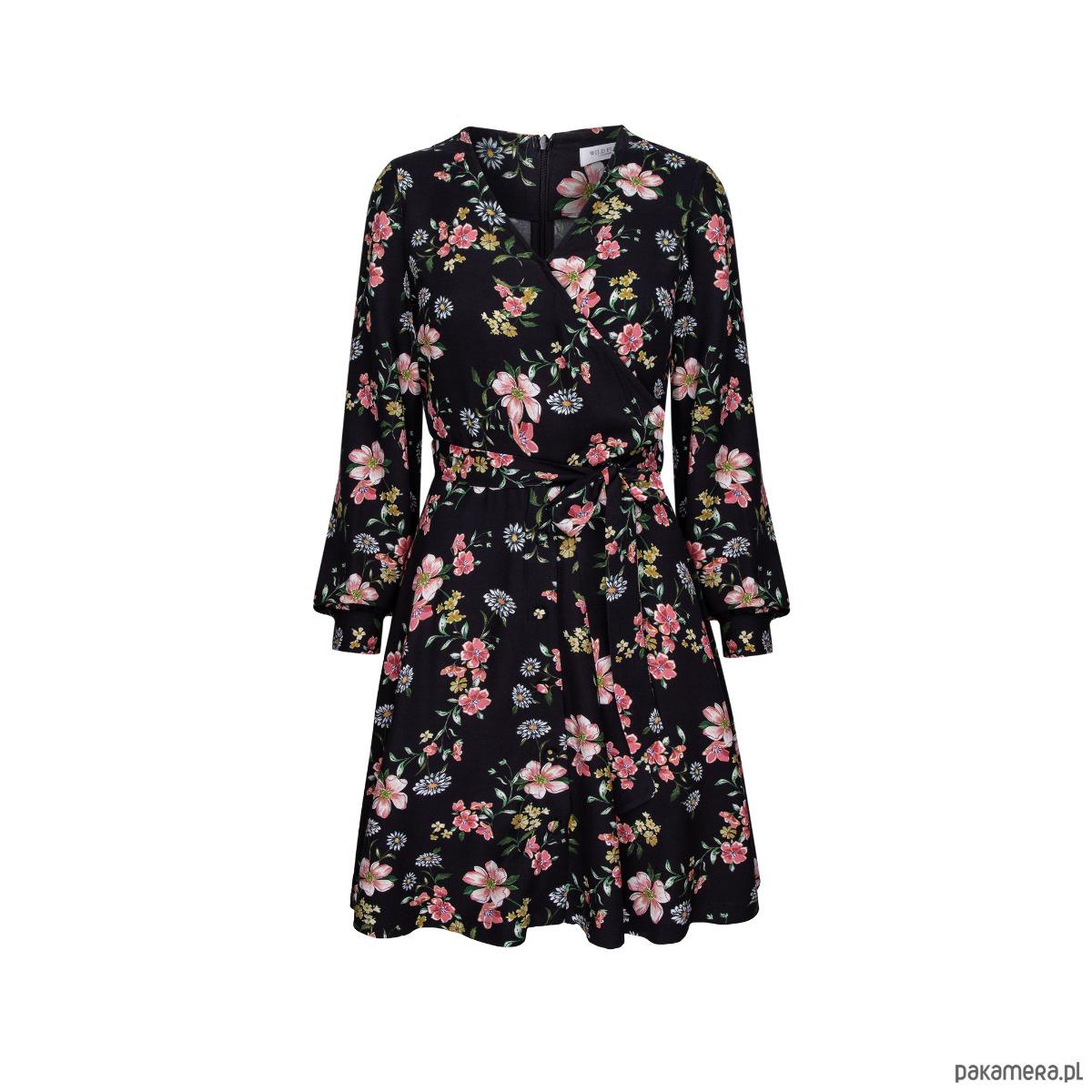 Czarna sukienka w kwiaty damska Aksamitka