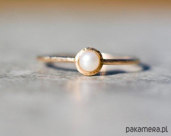 098ad4999a Perła- Pierścionek Złoty Z Perłą - pierścionki - złote - Pakamera.pl