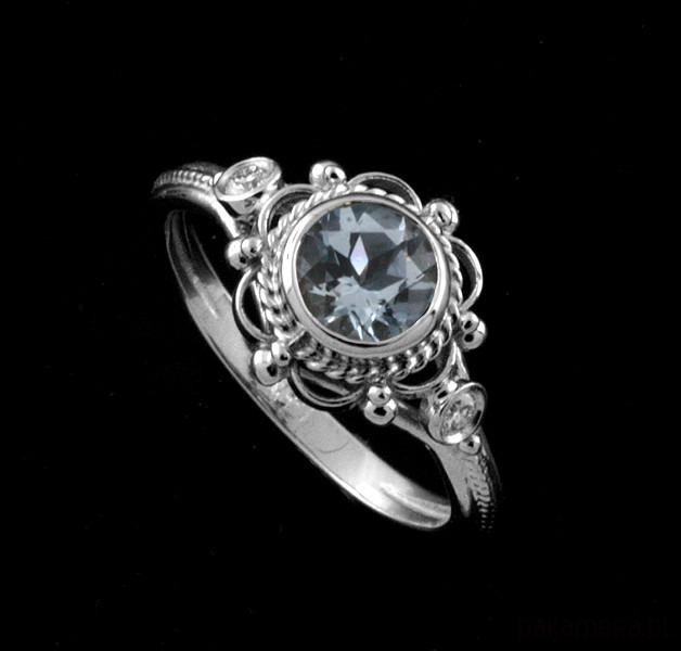 Pierścionek Zaręczynowy Z Diamentami I Akwamaryn Pierścionki