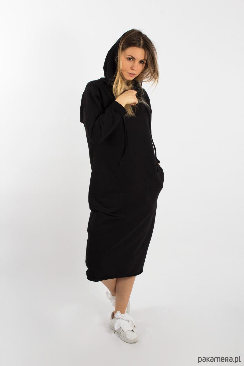 Sukienka z kapturem czarna