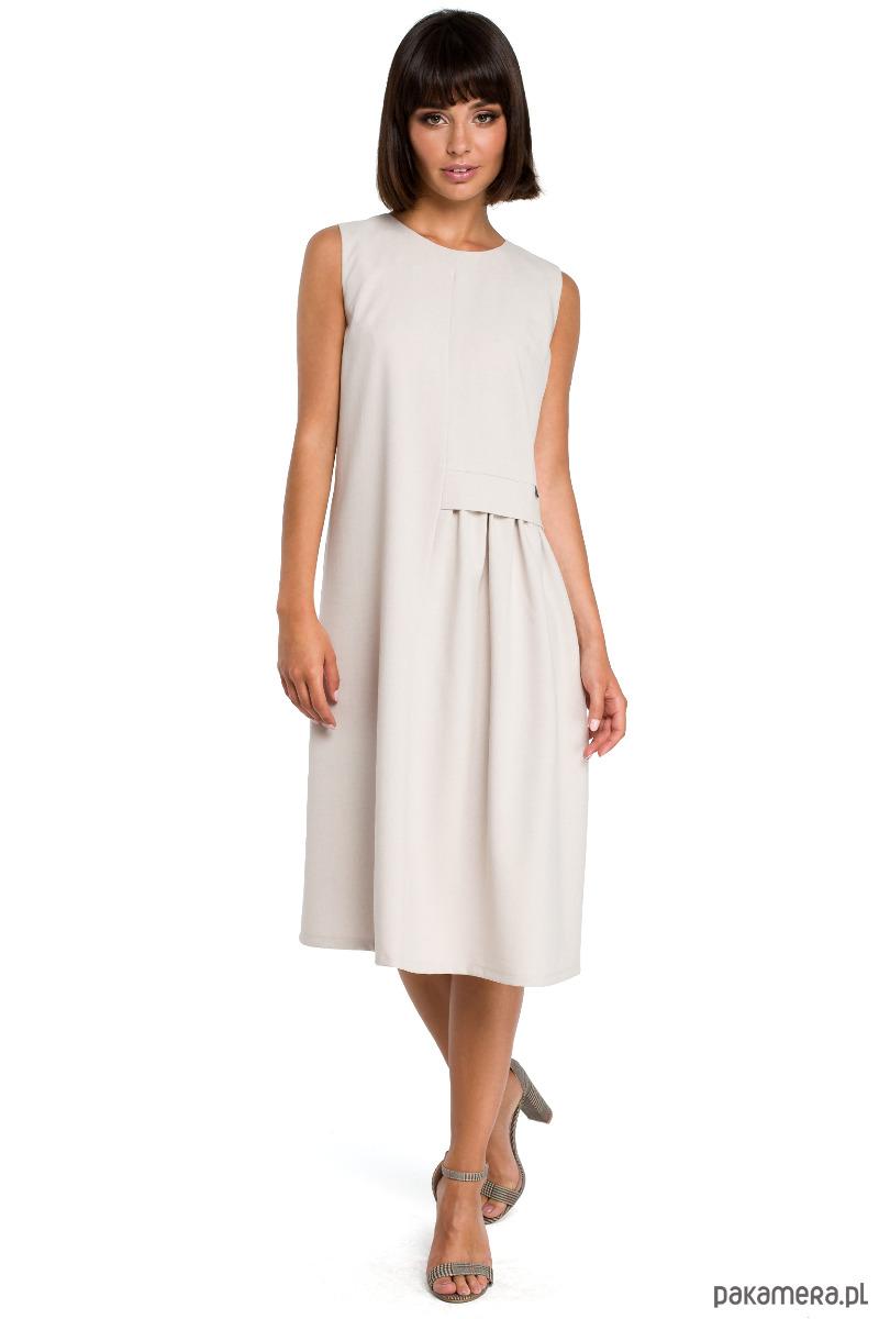Elegancka zwiewna sukienka o luźnym kroju