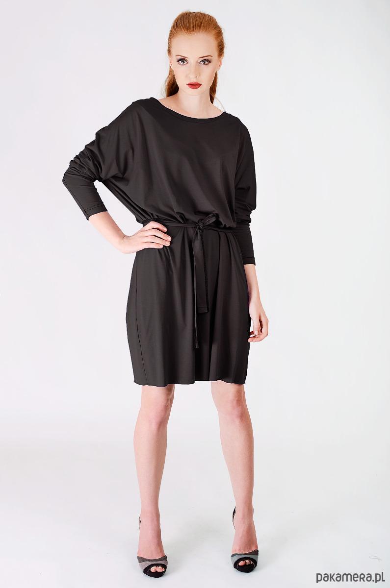 49990cbf8b czarna dzianinowa sukienka oversize - sukienki - midi - Pakamera.pl