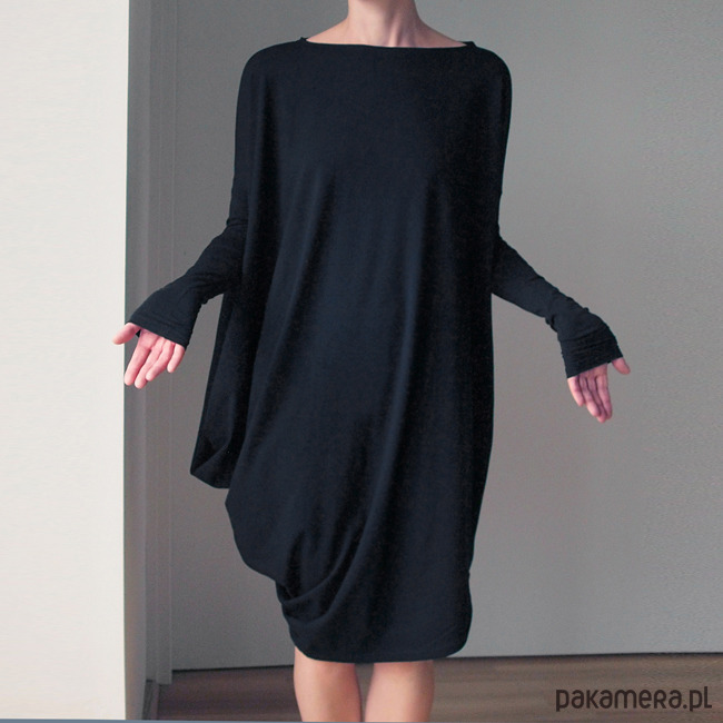 Sukienka długi rękaw asymetria Czarna