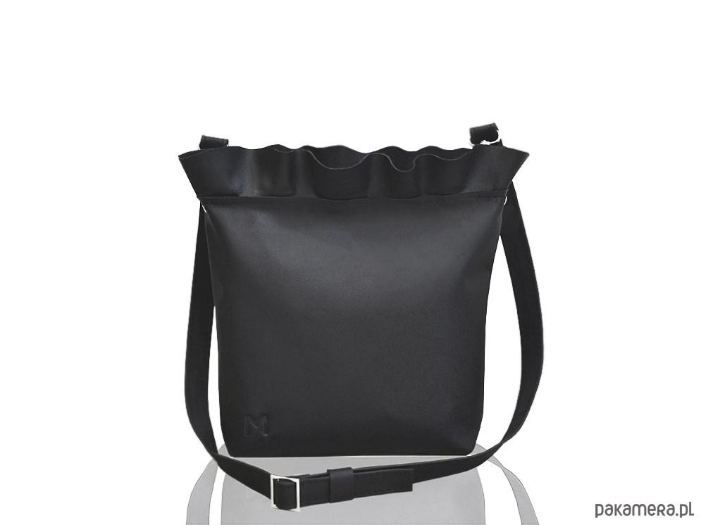 4c250b6ef302f Skórzana torebka z falbanką - torby na ramię - damskie - Pakamera.pl