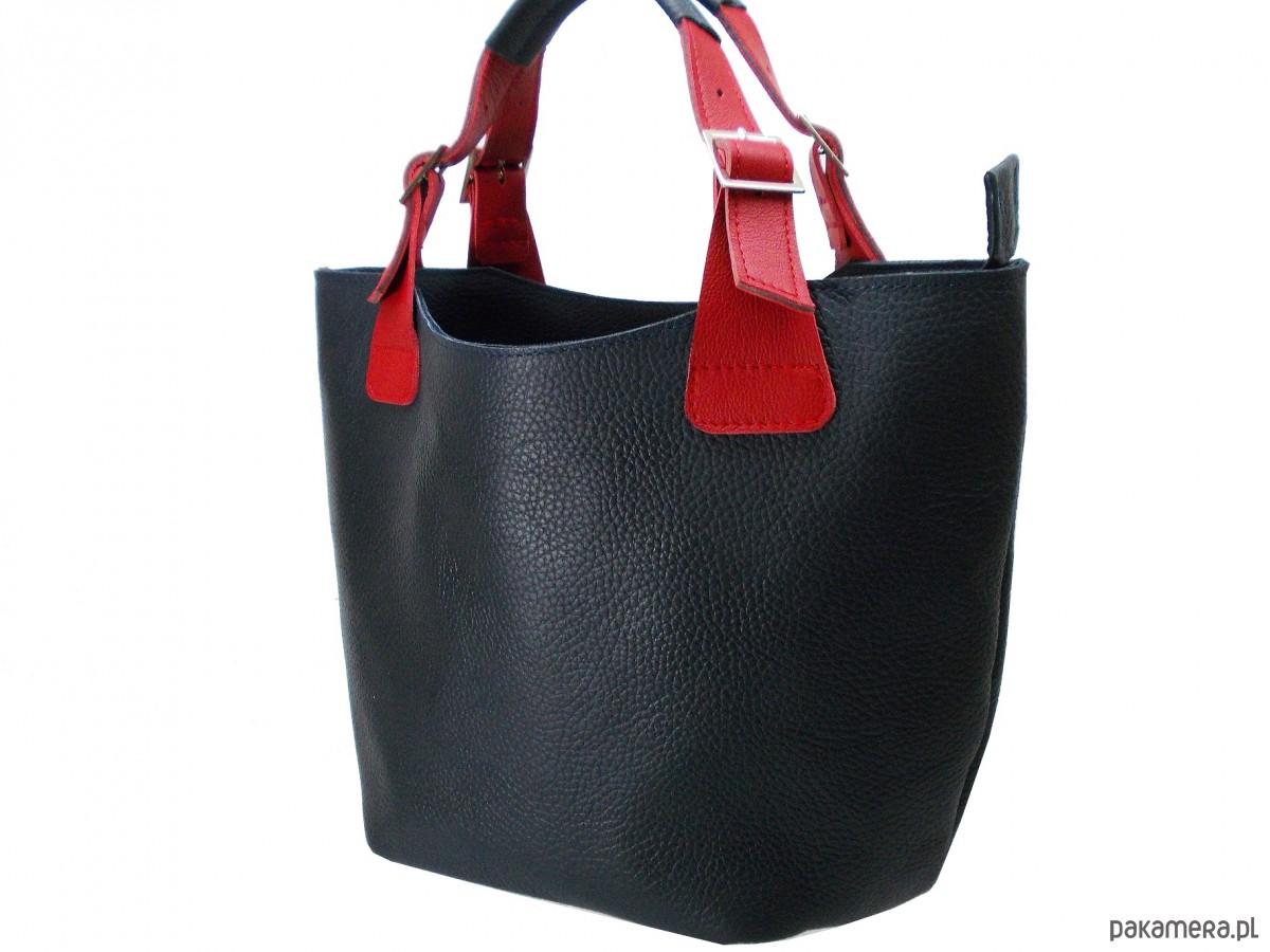 db51b819d6a12 Skórzana granatowa torba - torby na ramię - damskie - Pakamera.pl