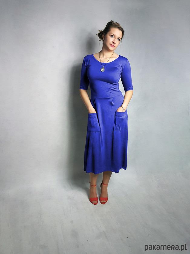 5e2d33f966 Sukienka ABO z kieszeniami do lydki kobaltowa - sukienki - maxi ...