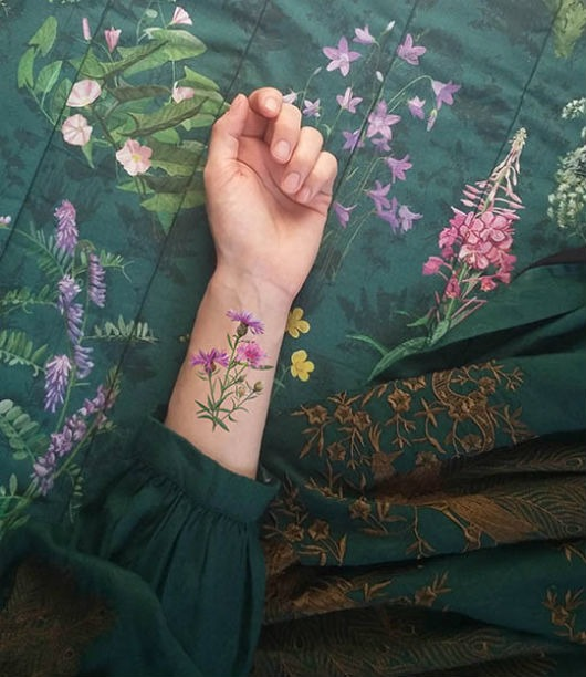 Zestaw 10 Tatuaży Zmywalnych Z Rysunkami Kwiaty Pakamerapl
