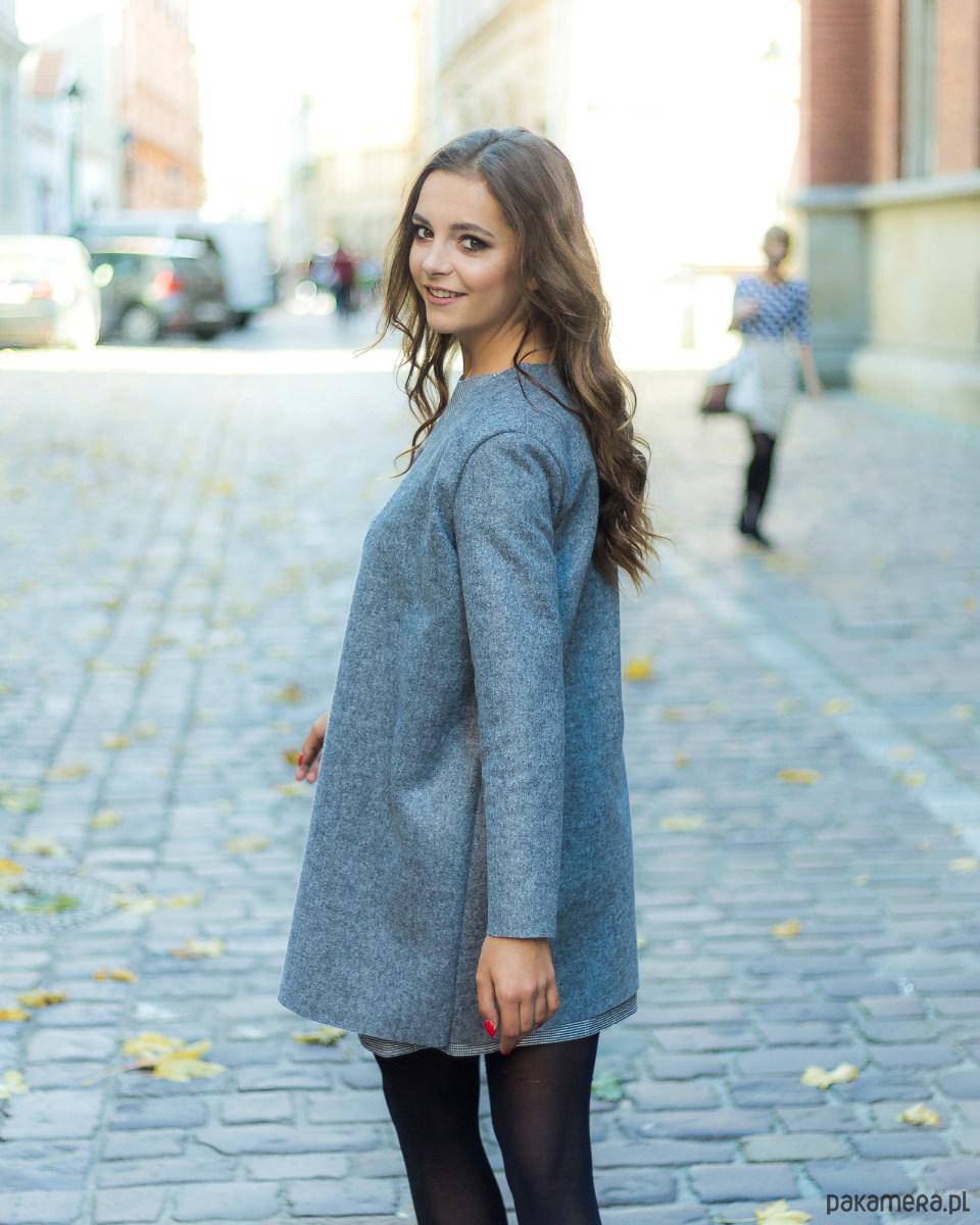 Szary długi sweter