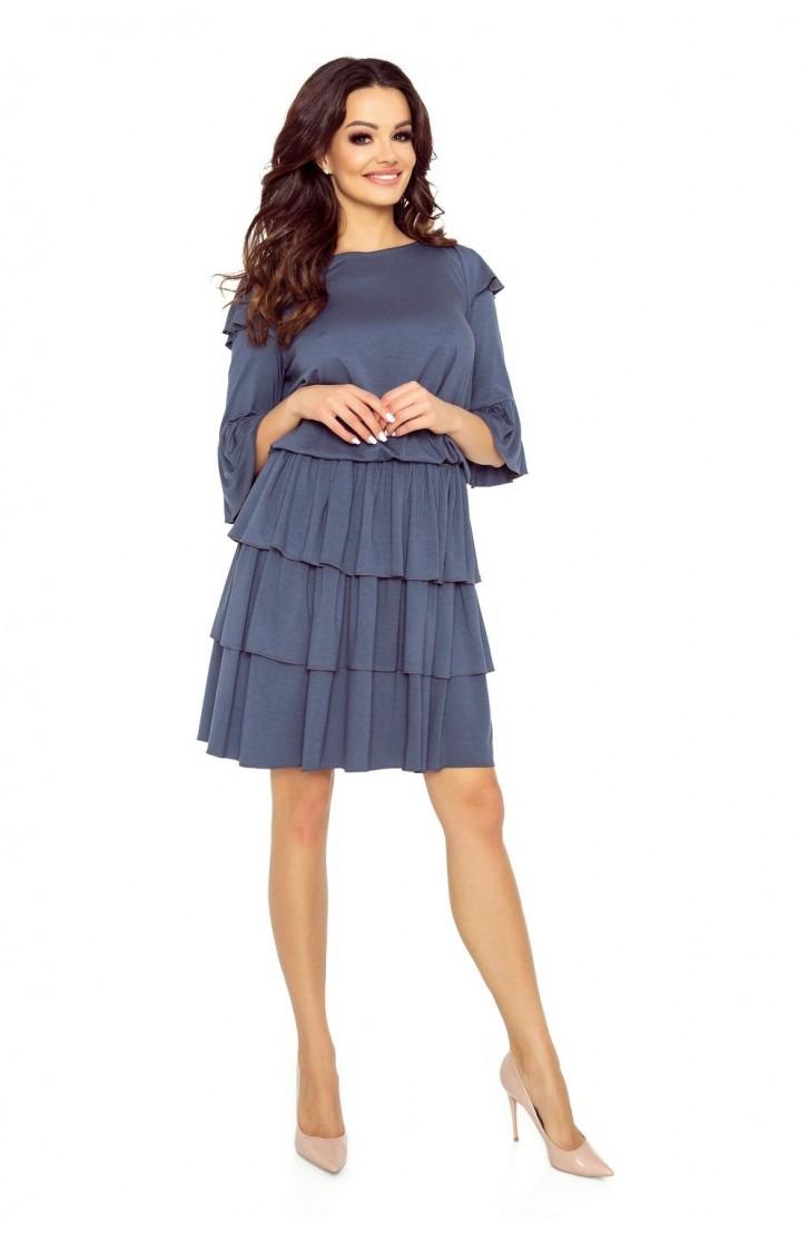 Elegancka sukienka z trzema falbanami