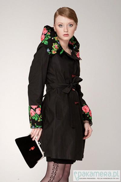 Płaszcz damski , prosty, czarny folk