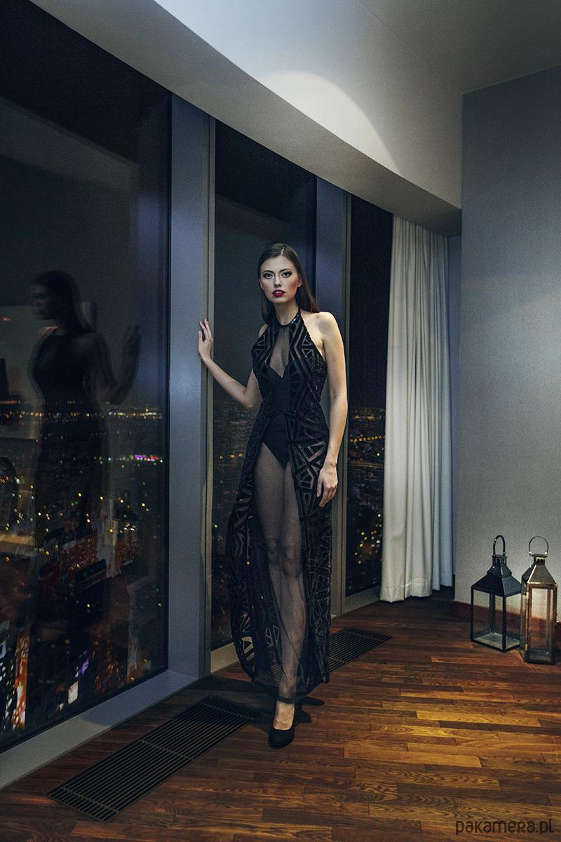 Celeste - charakterna suknia geometryczna