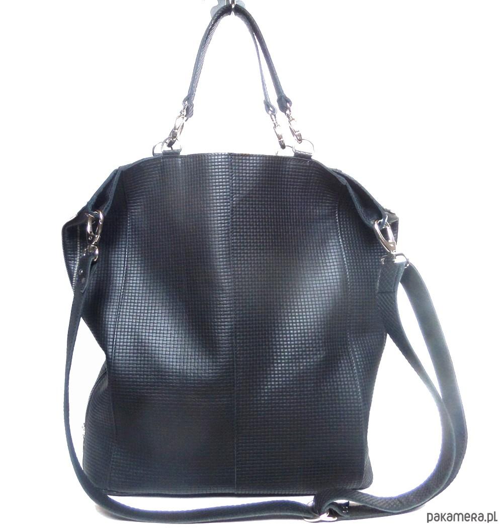 e1f2532df8f60 torby na ramię - damskie-Czarna skórzana fakturowana w krateczkę torba