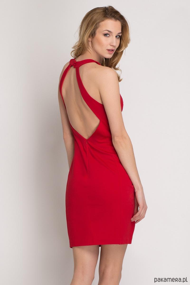 Czerwona sukienka bez pleców