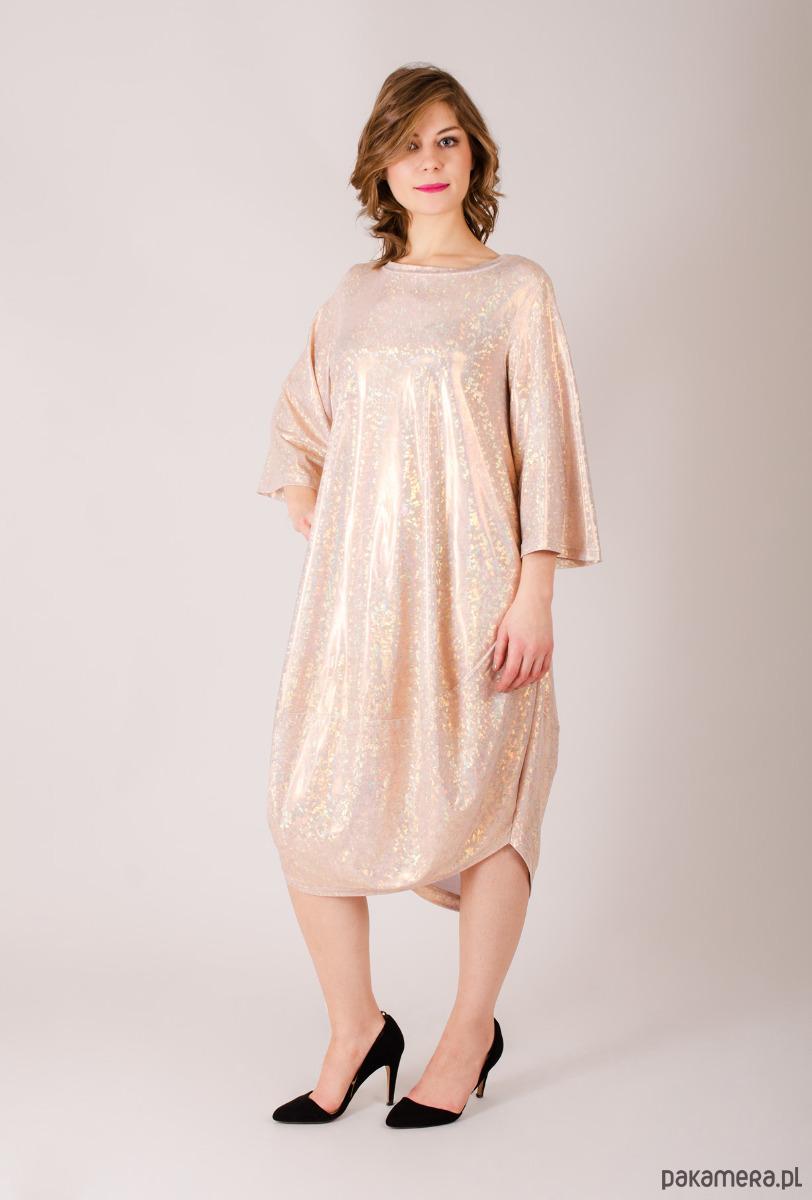 błyszcząca sukienka oversize