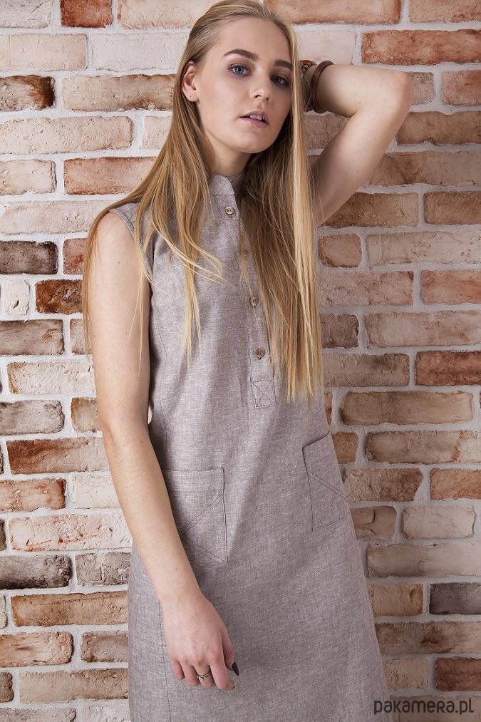 Sukienka z lnu w kolorze beżowym