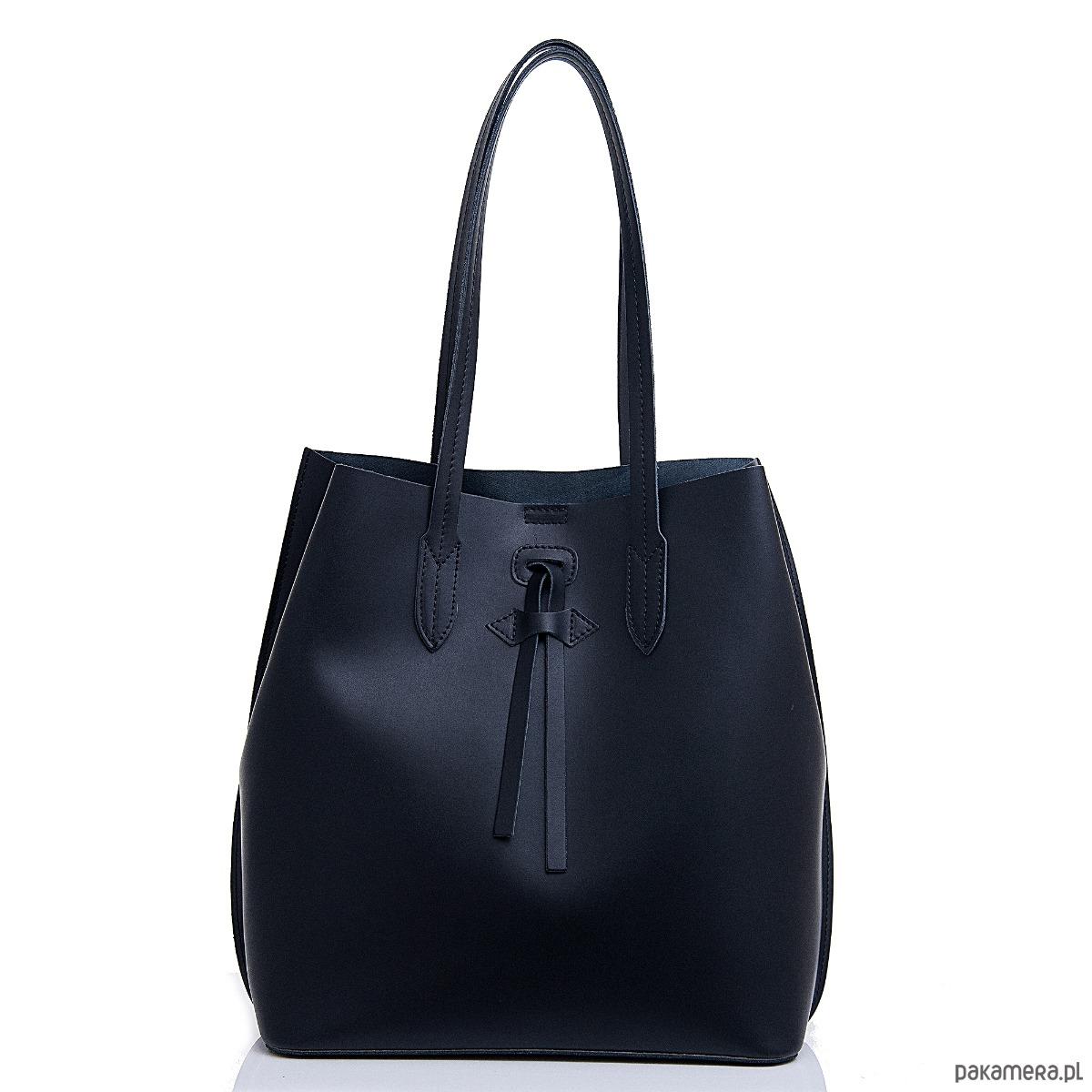 2190d3199433f Czarna torebka damska skórzana na ramię. - torebki do ręki - Pakamera.pl