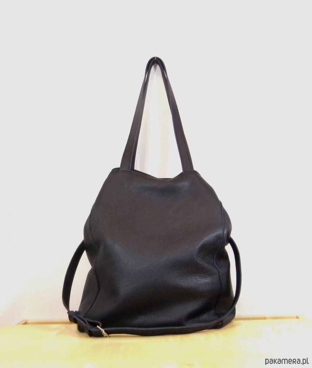 39fdf67b36c60 Duża czarna skórzana torba 02 - torby na ramię - damskie - Pakamera.pl