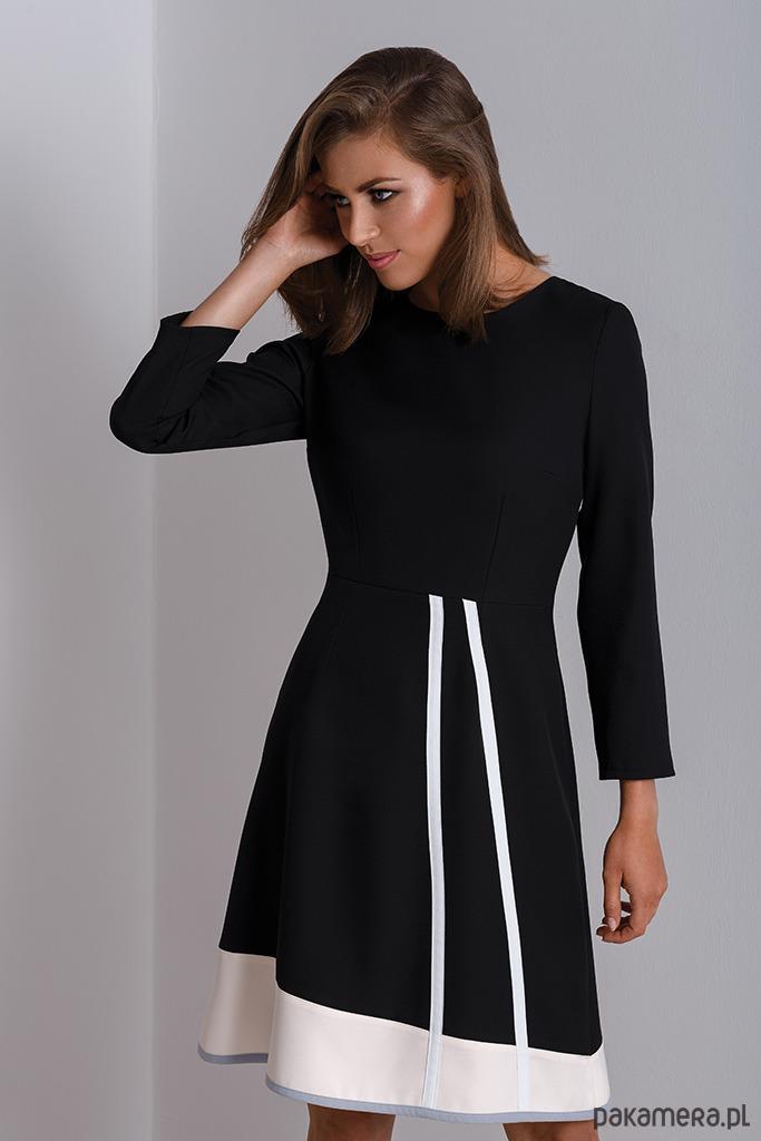 7fc13fc98e Czarna czarna sukienka do pracy Catrise - sukienki - midi - Pakamera.pl