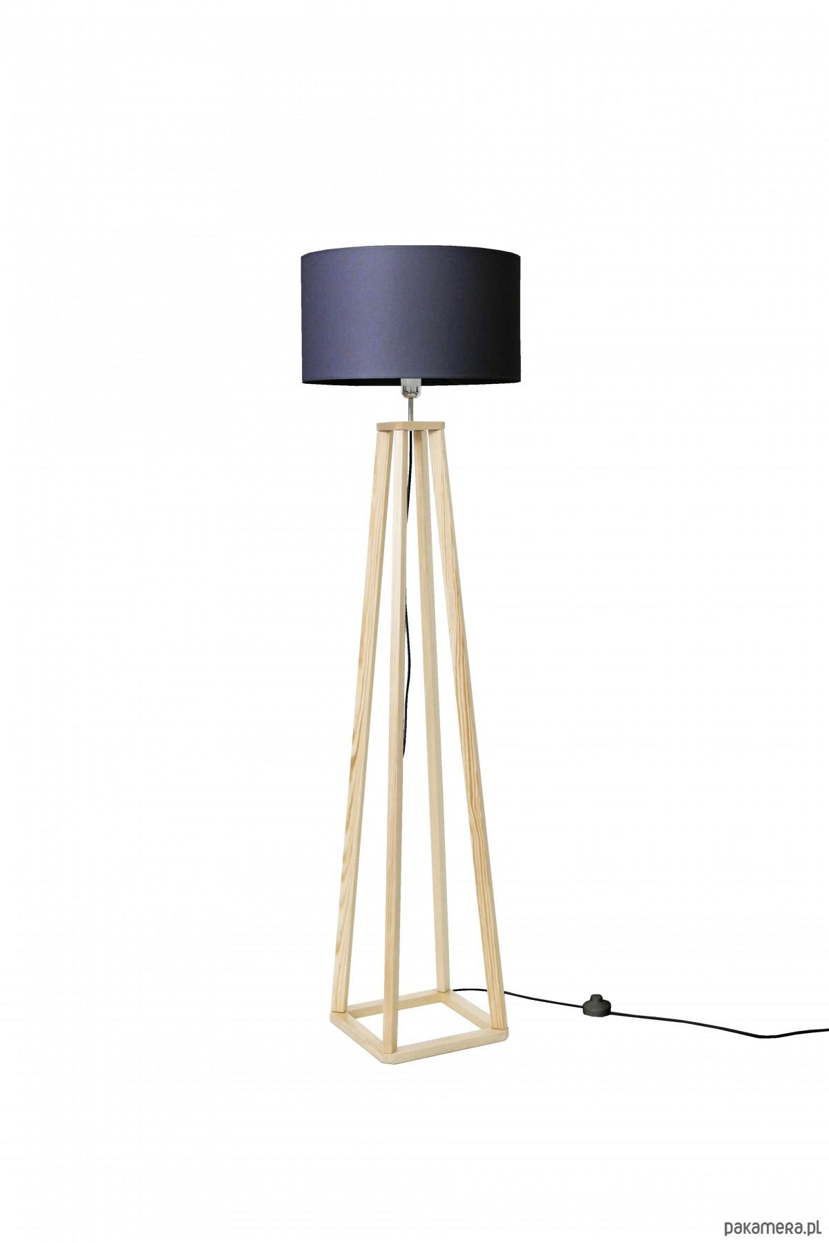 lampy podłogowe w kształcie stopy