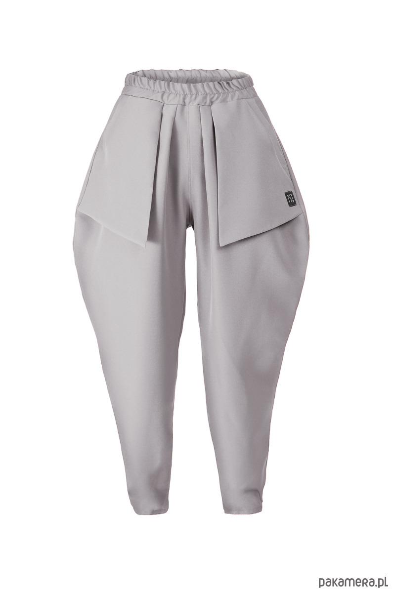 jasnoszare spodnie z kieszeniami
