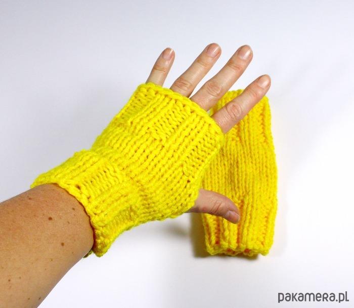 006975baa60e58 mitenki robione na drutach unisex żółte - rękawiczki - Pakamera.pl