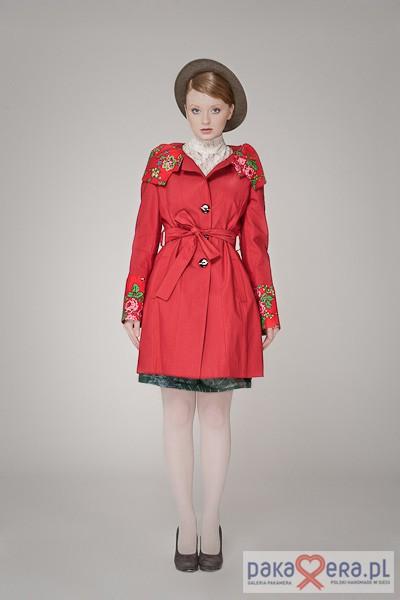 Płaszcz damski , prosty, czerwony folk