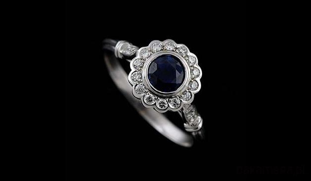 Pierścionek Zaręczynowy Z Niebieskim Szafirem Pierścionki Różne