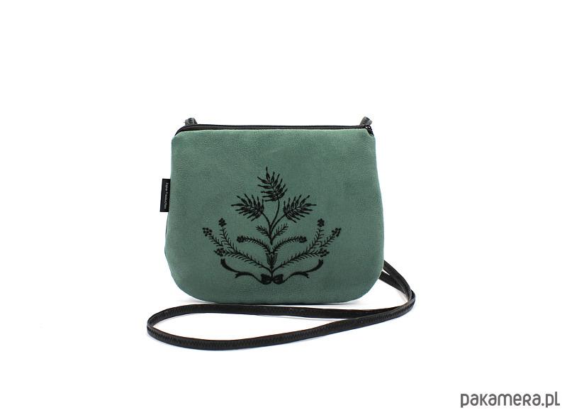 dc7e6003fd3ab mała zielona torebka z czarnym haftem - torebki mini - Pakamera.pl