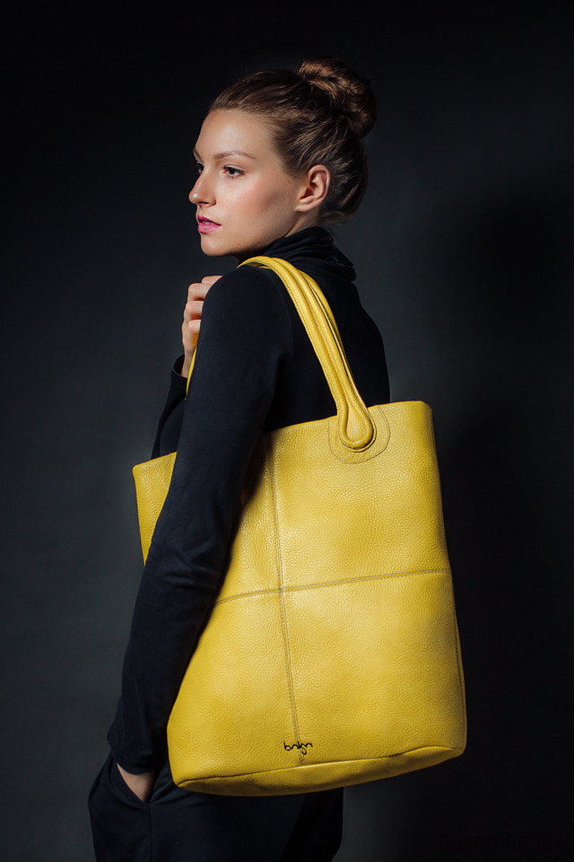 aba920f4b8ac9 torby na ramię - damskie-Torebka skórzana żółta Magnifica marki Bolsa