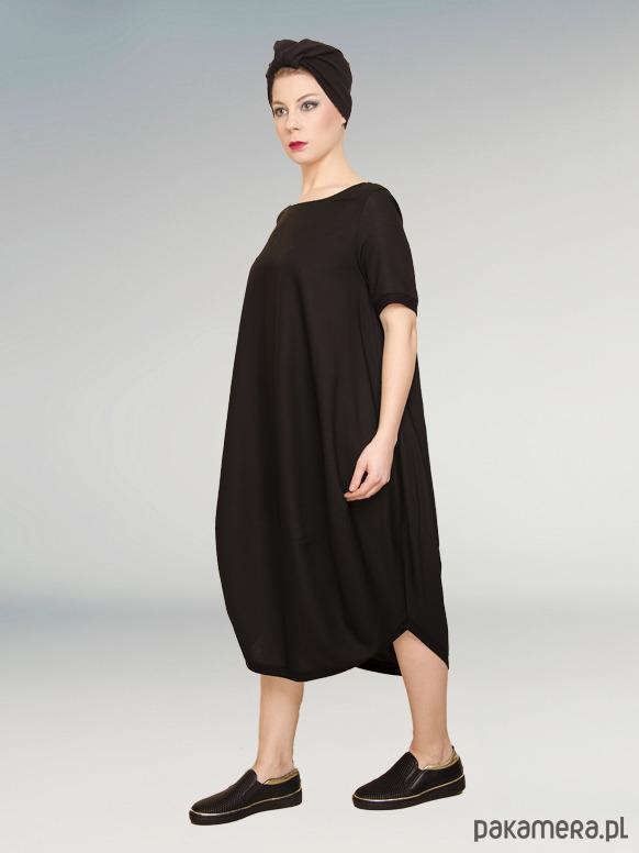 mała czarna sukienka elegancka