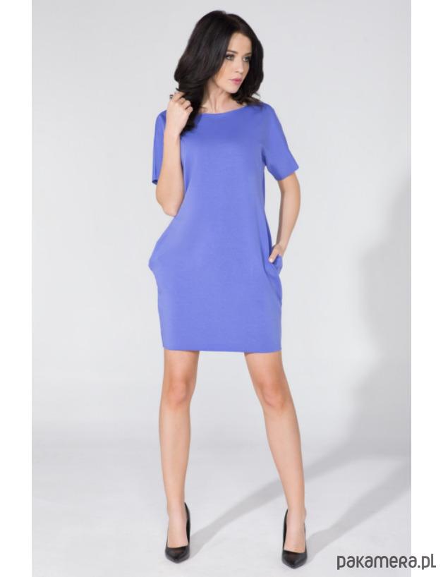 Sukienka o szerokim fasonie z kieszeniami